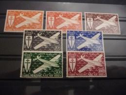 TIMBRES   MADAGASCAR   POSTE  AERIENNE   N  55  A  61   COTE  7,25  EUROS  NEUFS  LUXE** - Madagascar (1889-1960)
