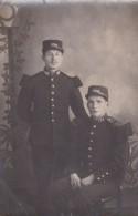 Carte-photo Deux Soldats Du 136 ème Territorial  Photographe Rue Torteron St Lô   (50) - War, Military
