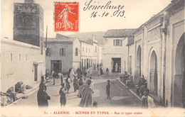 CPA ALGERIE SCENES ET TYPES RUE ET TYPES ARABES - Scene & Tipi