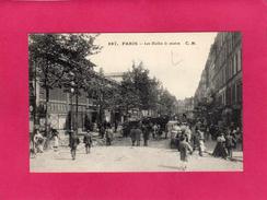 75 PARIS 1°, Les Halles Le Matin, Animée, (C. M.) - Arrondissement: 01