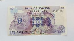 UGANDA 10 SHILLINGS 1982 - Uganda
