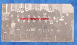 Photo Ancienne - PITHIVIERS - Ecole De Filles - Portrait De Classe - Métiers
