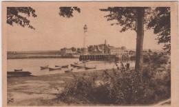 Calvados :  OUISTREHAM  RIVA  BELLA :   Entrée   Du Port , Le  Phare - Ouistreham