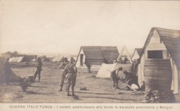 Military Italy-Turkish War I soldati sostituscono alle tende le