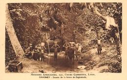 DAHOMEY    SOURCE DE LA FERME DE ZAGNANADO   MISSIONS AFRICAINES LYON - Dahomey