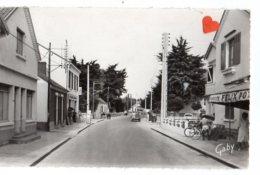 11712-LE-85-NOTRE-DAME-DE-MONTS-Avenue De La Mer--------animée-voiture 2 CV - Autres Communes