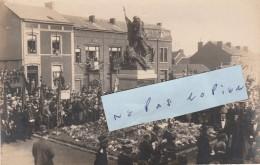 LE CHATELET  -  Cérémonie Aux Monument  Aux Morts  ( Carte-photo ) - Charleroi