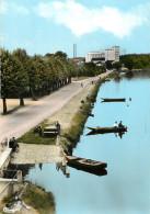 -ref-R891 - Yonne - Pont Sur Yonne - Bords De L Yonne - Les Promenades - Arriere Plan  Silos - Carte Bon Etat - - Pont Sur Yonne