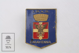 Vintage I.P.A.S. Chiavenna, Italy Coat Of Arms Badge - Ciudades