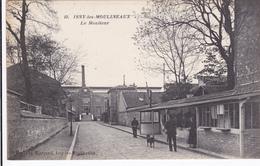 CARTE POSTALE   ISSY Les MOULINEAUX 92   Le Moniteur - Issy Les Moulineaux