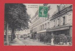 Courbevoie  -  La Place Du Port - Courbevoie