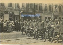 Wehrmacht - Exhibition De Prisonniers De Guerre Allemands - Kiev 1944 - German War Prisoners - Deutsch Kriegsgefangenen - Guerre, Militaire