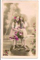 L34A060 -  Portrait De Flllettes  Dans Un Jardin , Sur Le Plan D'eau -  N°1252 - Abbildungen