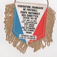 FANION - ( Fédération Francaise De Football Féminin ) Coupe Nationale CADETTES - 1990 - Habillement, Souvenirs & Autres
