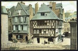 MORLAIX - Vieilles Maisons Place Des Halles - Non Circulé - Not Circulated - Nicht Gelaufen. - Morlaix
