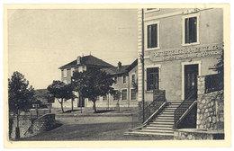 Cpa Veynes - La Poste Et L'école Des Garçons - Autres Communes