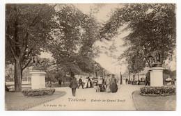 TOULOUSE--Entrée Du Grand-Rond (très Animée) N° 45  éd  V.P  Paris - Toulouse