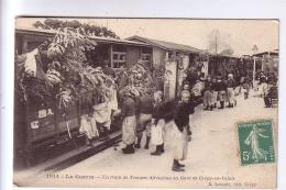 GUERRE 1914 1918 En 1914 Train De Troupes Africaines Gare De Crépy-en-Valois 60 CPA 1914 - Guerra 1914-18