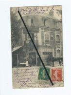 """CPA  Abîmée   -  Deauville  - Avenue De Villers  -  Café , Hotel , Restaurant """"Aux Chauffeurs """" - Deauville"""