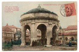 VILLENEUVE LES AVIGNON--1905-Puits De La Chartreuse (très Animée) N°17 éd Maison Universelle NG...colorisée.....à Saisir - Villeneuve-lès-Avignon