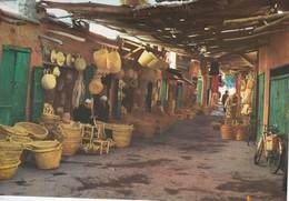 MAROC---MARRAKECH---medina---voir 2 Scans - Marrakech