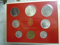 VATICAN CITY 1966 Paul VI ( IV Year) Coin FOLDER - Unc 500 Lire  SILVER RARE - Vatican