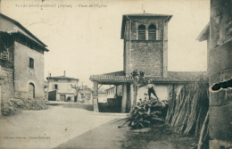 69 SAINT LAURENT D'OINGT / Place De L'Eglise / - France