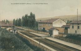 69 SAINT LAURENT D'OINGT / La Gare Et Hôtel Proton / - France