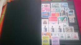 D0693 DÉSTOCKAGE LOT 2 ALBUMS MONDE A TRIER DÉPART 10€ - Stamps