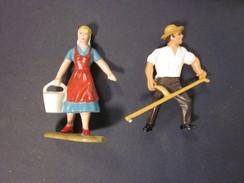 Antik Spielzeug Kunststofffiguren Leyla Germany Magd Bauer Bauernhof - Antikspielzeug