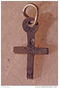 Joli Petit Pendentif Ancien Médaille Religieuse Croix Crucifix Argent 925 - Silver Religious Medal Cross - Religion & Esotérisme