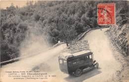 15 - CANTAL / Chaudesaigues - Carrefour Dangereux - Autobus - Frankrijk