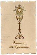 CPA En CELLULOID  Peinte A La Main SOUVENIR DE 1 Ere COMMUNION Avec Bordure Ciselée - Devotion Images