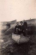 Photo Originale Bateaux & Embarcation - Délire En Famille Dans Une Barque à Marée Basse - Schiffe