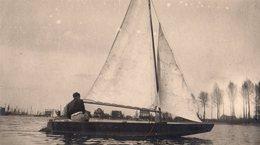 Photo Originale Bateaux & Embarcation - Petit Voilier,  Genre Sonderklasse à Gréement Houari - Schiffe