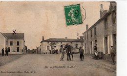 Maulévrier.. Animée Belle Vue Du Centre Du Village Cheval Maréchal-Ferrant - France
