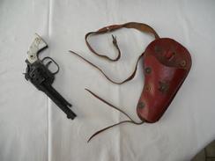 Revolver Cowboy + Gaine (ceinture Et étui) Années '50,'60 - Jouets Anciens