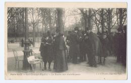 Cpa PARIS VÉCU : LA BOURSE AUX TIMBRES-POSTE, Garantie Ancienne. Cachet De 1905 - Petits Métiers à Paris