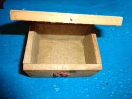 Boite D´expedition Bijoutier 10 X 7.5cm Environ 3 Tampons De Cire - Other