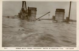 BATEAU DE GUERRE ALLEMAND - Warships