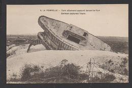 DF / GUERRE 1914-18 / PUISIEULX (51) / FORT DE LA POMPELLE / UN TANK ALLEMAND CAPTURÉ DEVANT LE FORT - Guerre 1914-18