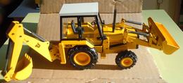 NZG N° 277/2771 JCB 3CX EXCAVATOR LOADER M1:85 - Trucks, Buses & Construction