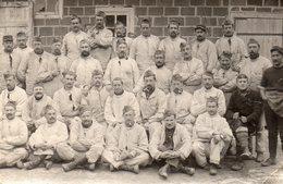611Bce  Carte Photo Soldats Poilus En 1915 - Regiments