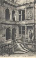 238. CAEN - ANCIEN HOTEL DE VALOIS . LE PORCHE . NON ECRITE - Caen