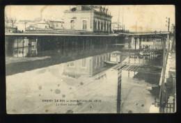 94 Val De Marne  Choisy Le Roi  La Gare Submergée Inondations De 1910 Petite Coupure En Partie Supérieure - Choisy Le Roi