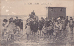 Bf - Cpa MALO Les BAINS - Au Bord De La Mer - Malo Les Bains
