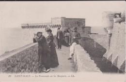 """35 ILLE ET VILAINE SAINT MALO  """" La Promenade Sur Les Remparts """" LL   N° 33 - Saint Malo"""