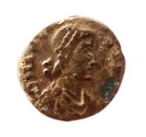 Nummus - Arcadius - Trèves - VICTORI-A AVGGG - 8. El Bajo Imperio Romano (363 / 476)