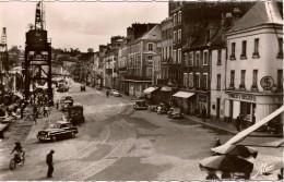 Cpsm 50 CHERBOURG  Quai Alexandre III , Syndicat D'initiatives, Très Animée, Voitures Anciennes 4cv, Traction..1955. - Cherbourg