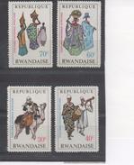 RWANDA - Costumes Africains : Targui, Haute-Volta, Sénégalaises, Ruandaises - Tradition -
